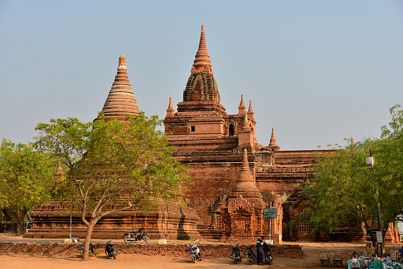mar 09 1186 large pagoda