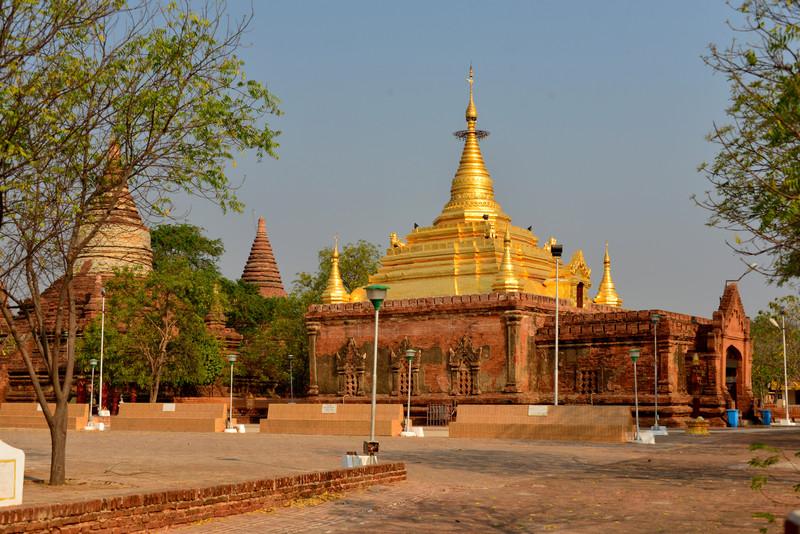 mar 09 1189 gold pagoda