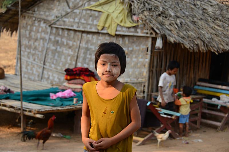mar 09 1206 stupa kids