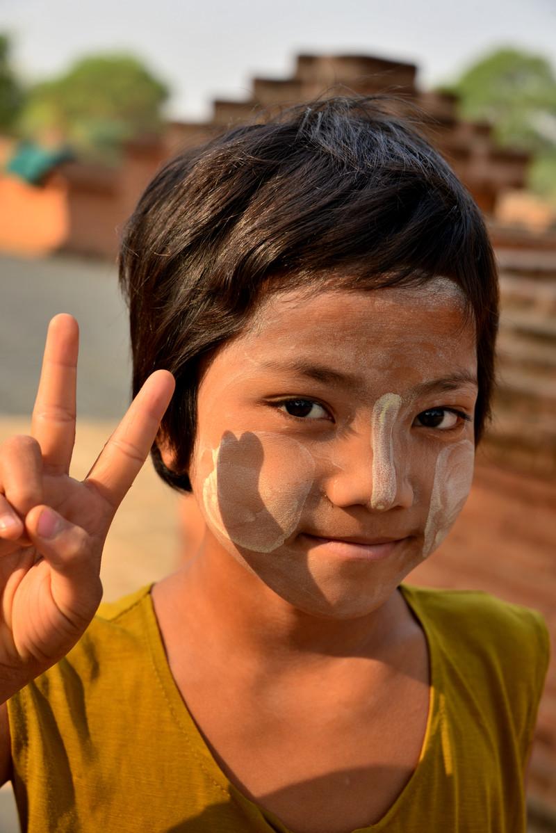 mar 09 1225 stupa girl