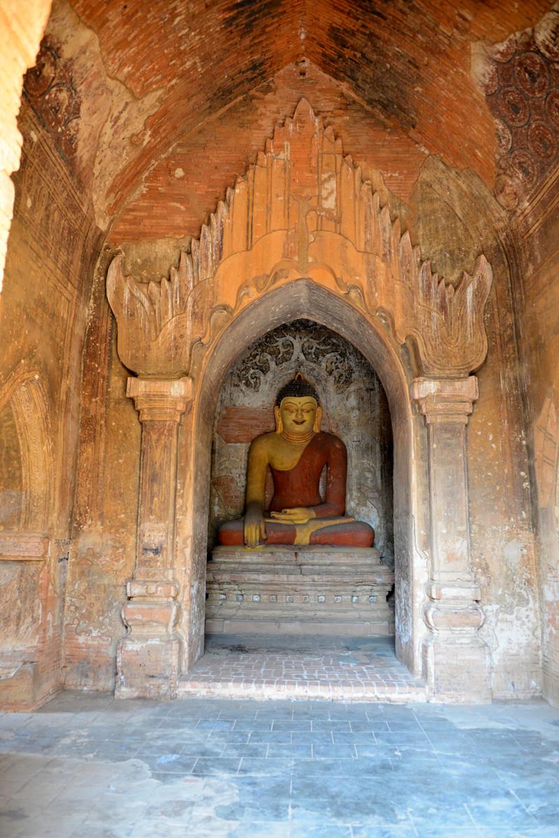mar 09 1235 pagoda buddha