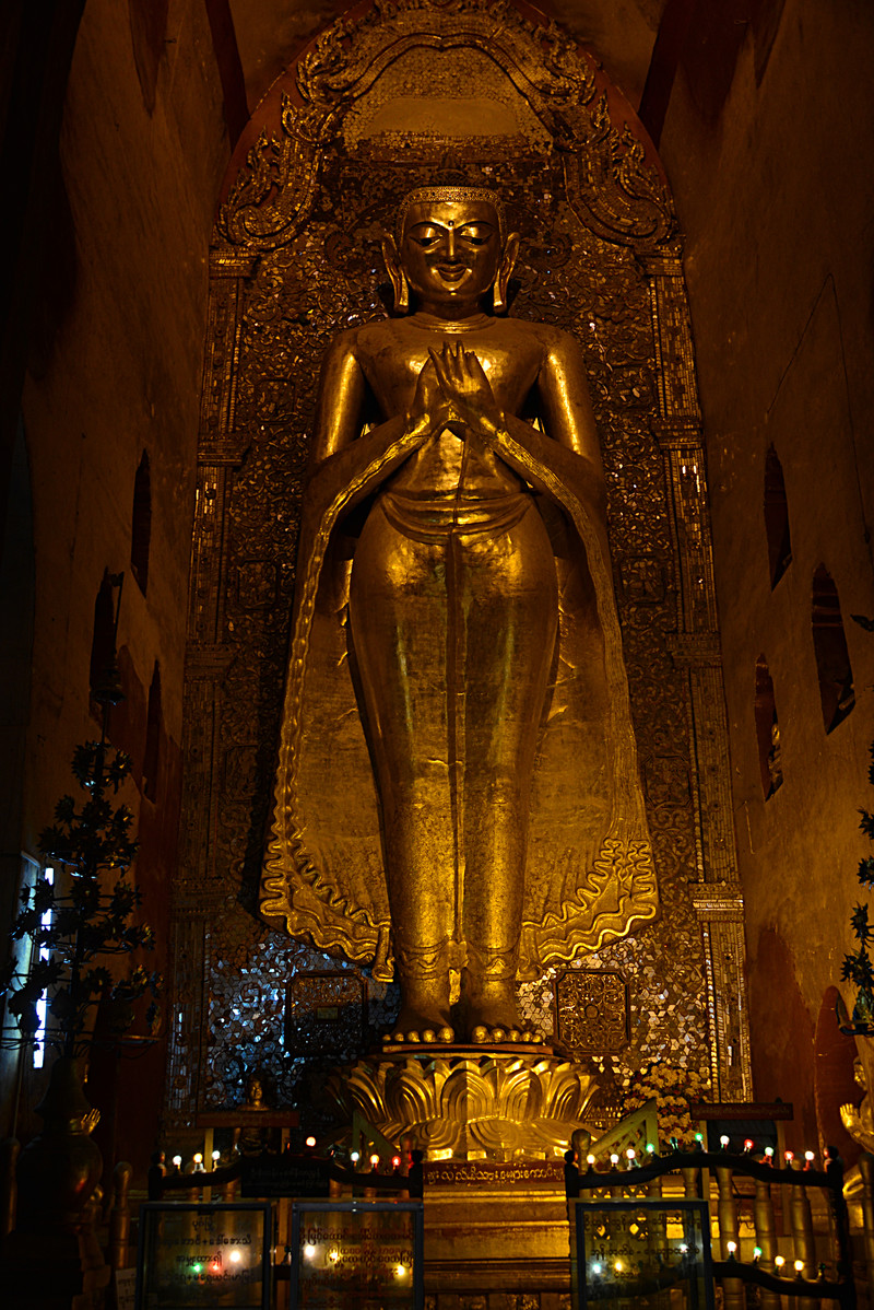 mar 10 1580 golden buddha