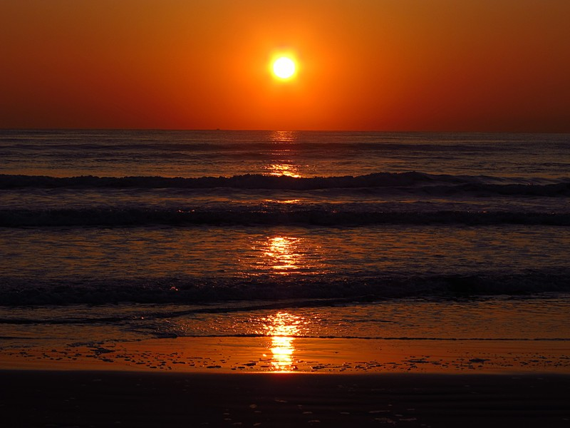 mar 11 3129 sunrise reflection close
