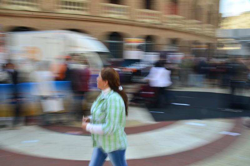mar 15 8412 blur green lady