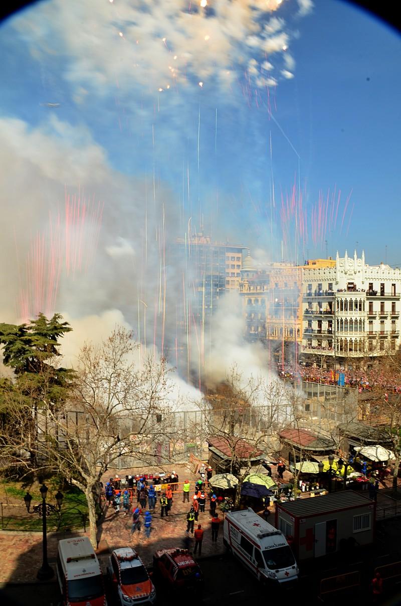 mar 15 8762 fire streamers