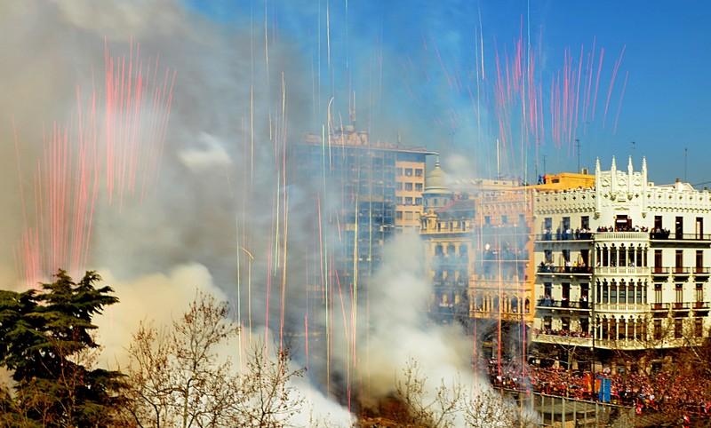 mar 15 8762 fire streamers close
