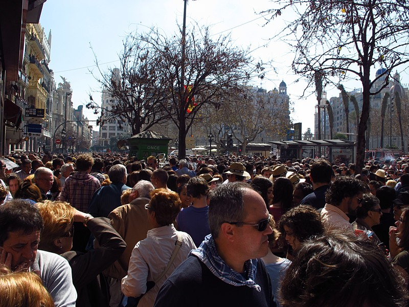 mar 16 3575 mascleta crowd