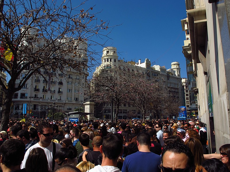 mar 16 3583 mascleta crowd