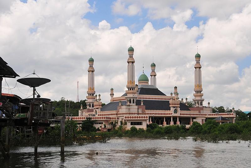 mar 26 9488 antenna mosque