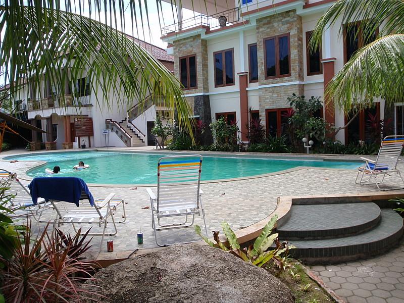 may 02 0032 pool