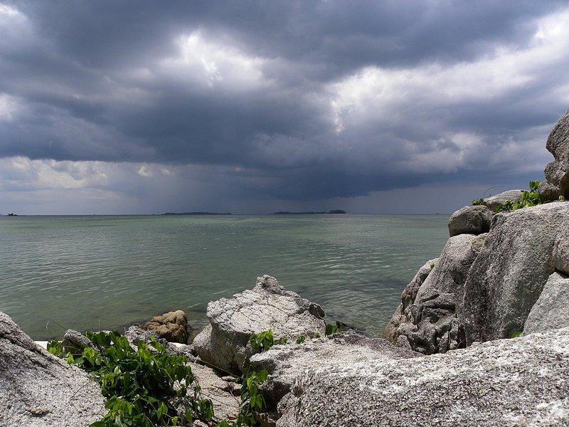 may 08 0233 afternoon rain