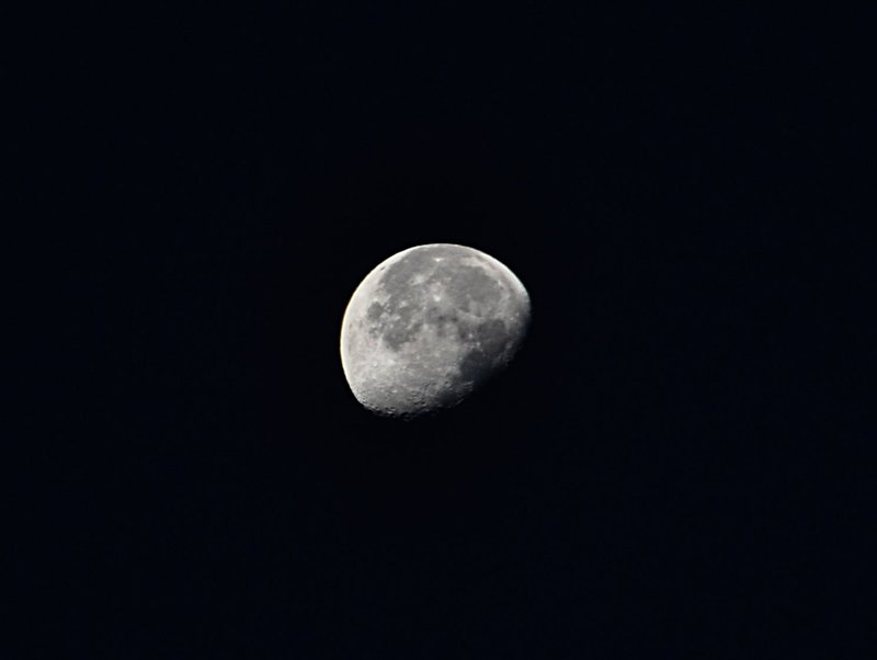 nov 17 0993 moon cropped
