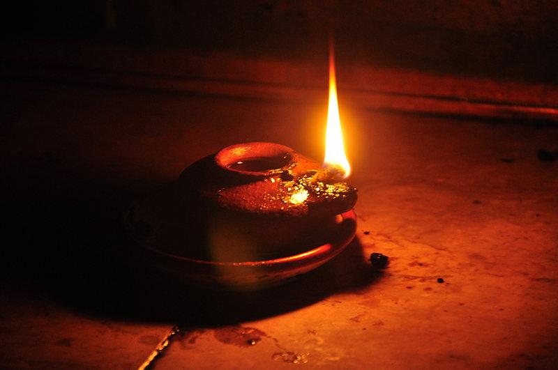 nov 17 1092 oil lamp