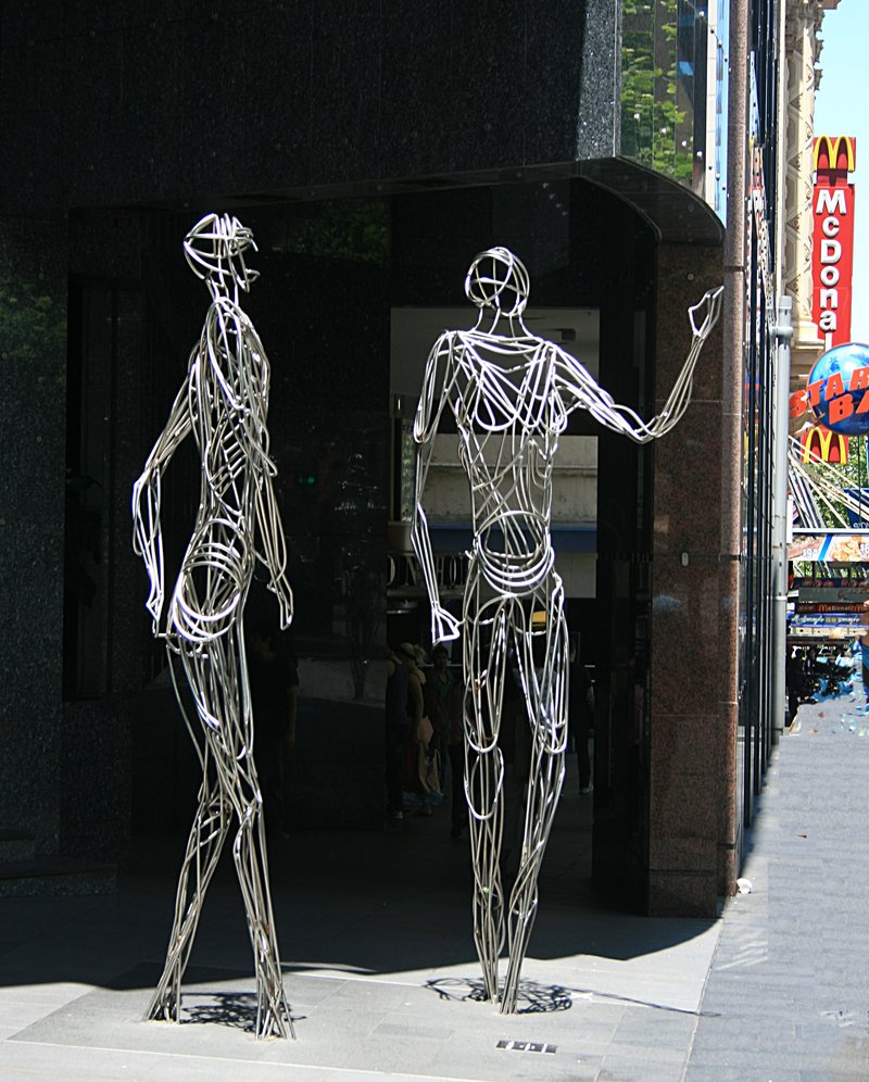 nov 18 3301 talking statues