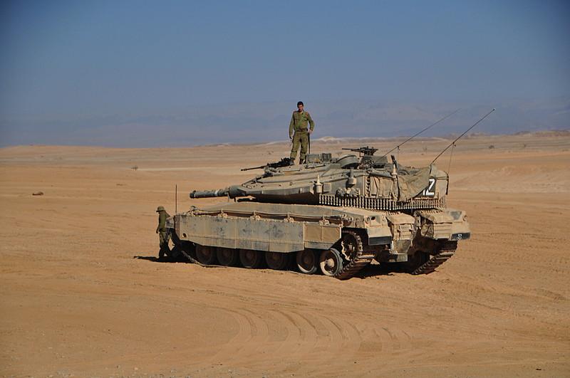 nov 25 4760 tank 2 men
