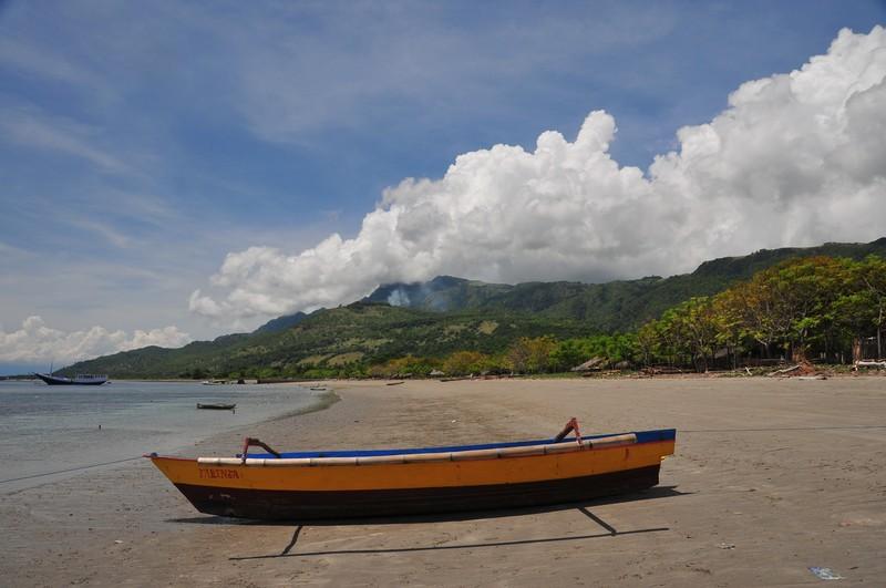 nov 26 7598 barrys beach boat