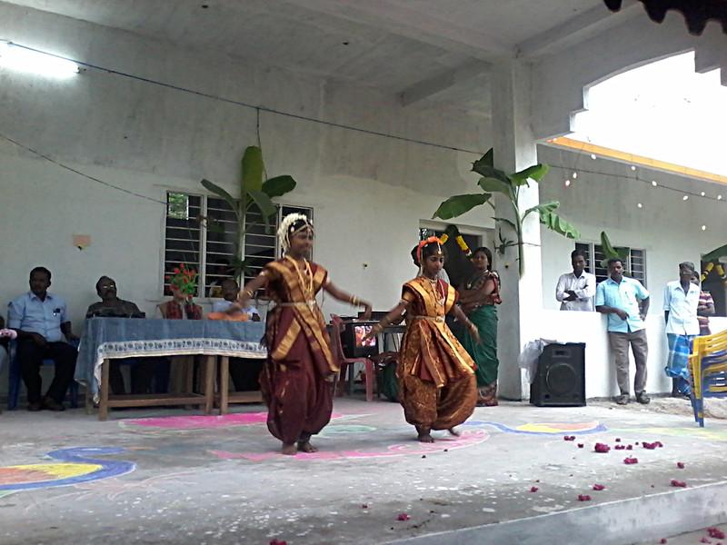 nov 28 153916 dancing