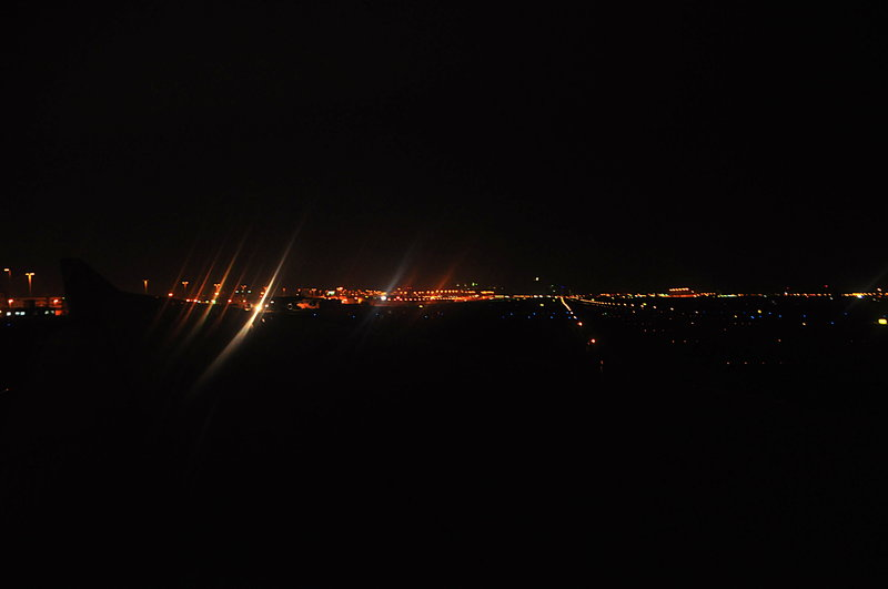 nov 28 6303 qr638 runway