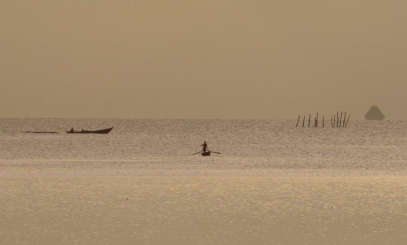 oct 04 4146 2 fishermen