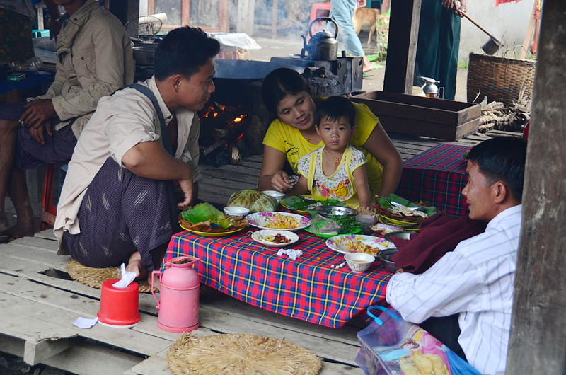 oct 12 0967 family meal
