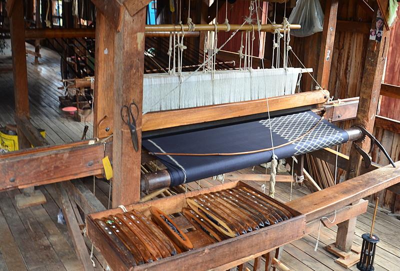 oct 12 1136 loom silk