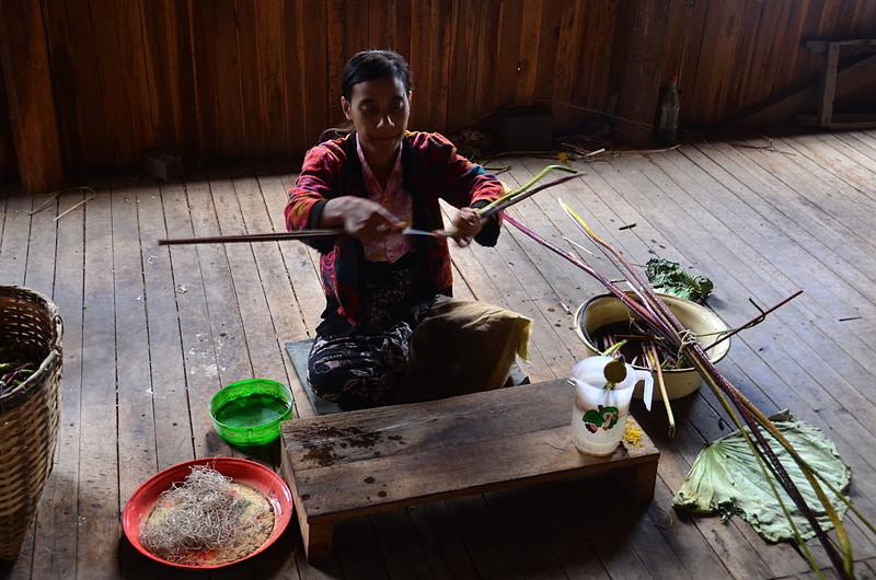 oct 12 1151 making lotus thread