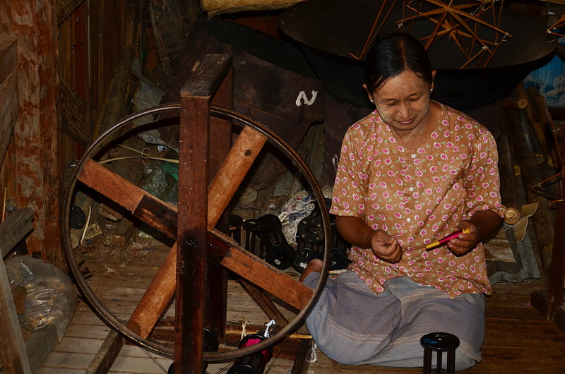 oct 12 1159 lotus spinner