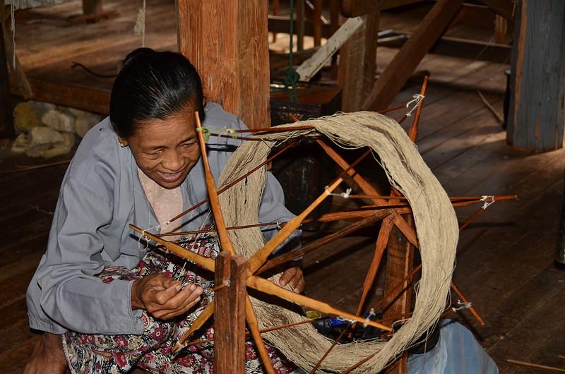 oct 12 1169 lotus yarn lady