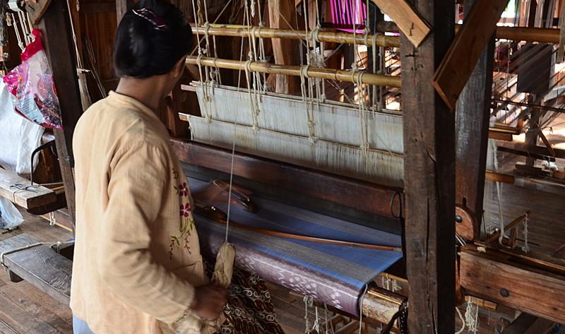 oct 12 1186 weaving silk