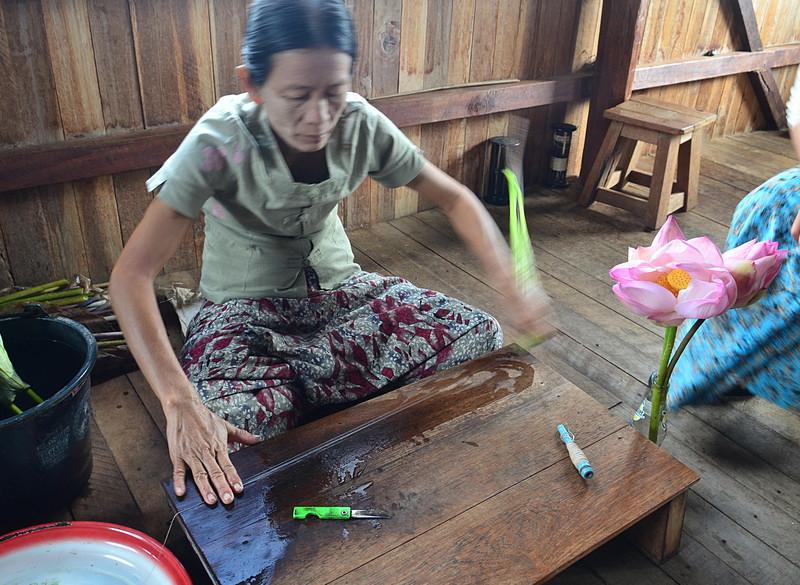 oct 12 1275 extruding lotus fiber