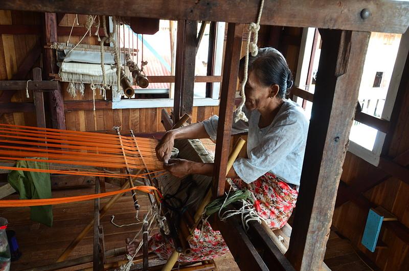 oct 12 1297 weaving silk