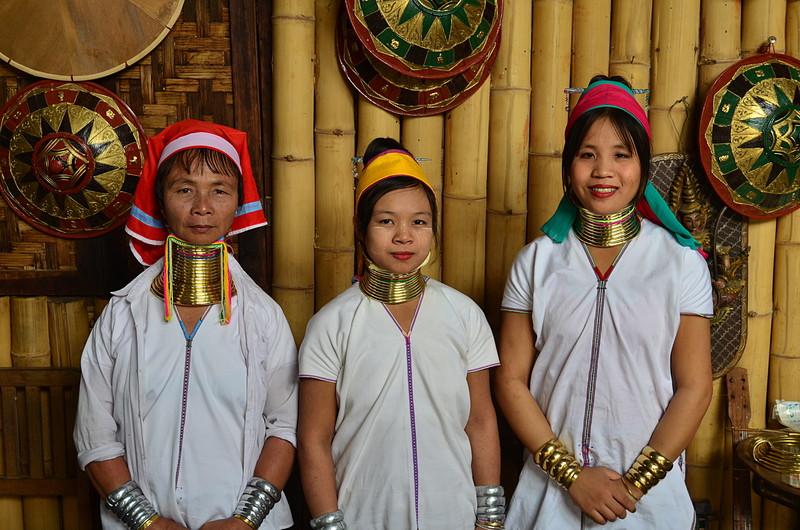 oct 12 1426 three tribal ladies