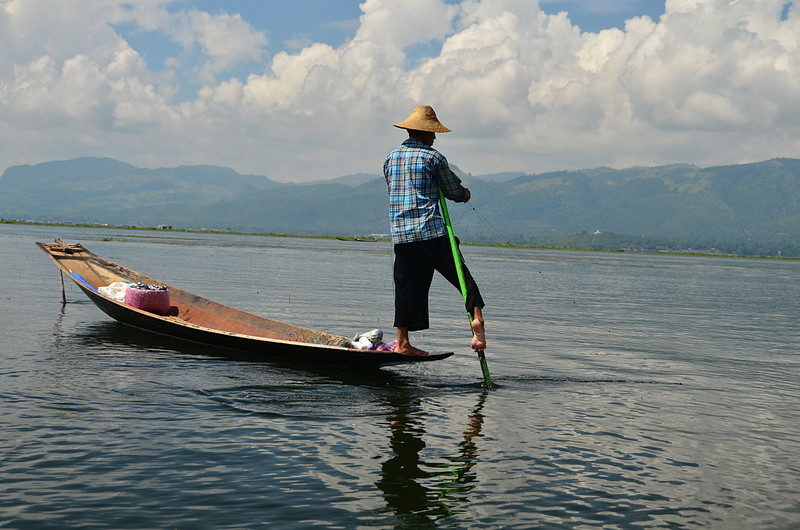 oct 14 4384 leg paddling