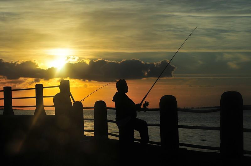 oct 24 3792 fishing couple