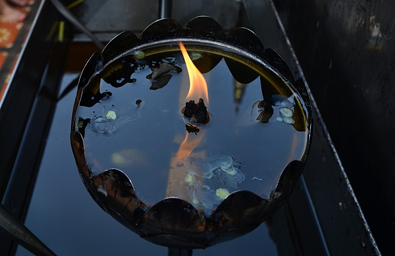 sep 16 8578 flame reflections