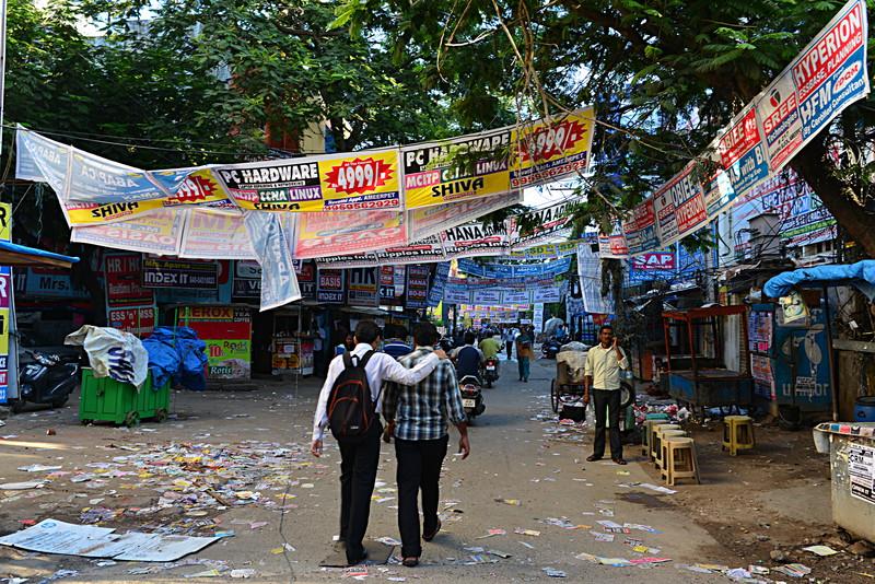 sep 24 3429 cluttered street