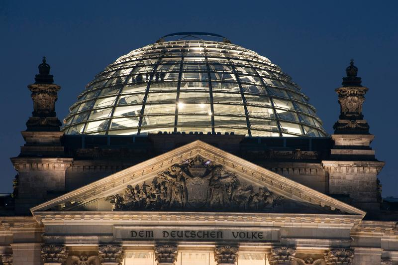 reichstag dome at night architrave berlin building dedication dome exterior germany glass. Black Bedroom Furniture Sets. Home Design Ideas