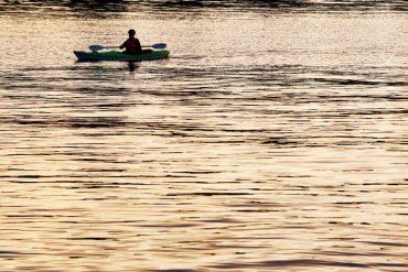 Life-of-Pix-free-stock-kayak-man-sunset-LEEROY-1440x960