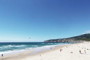 Life-of-Pix-free-stock-beach-sea-peoples-LEEROY-1440x960