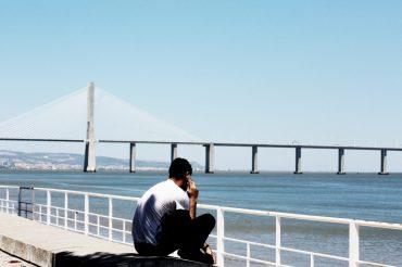 Life-of-Pix-free-stock-man-phone-bridge-LEEROY-1440x957