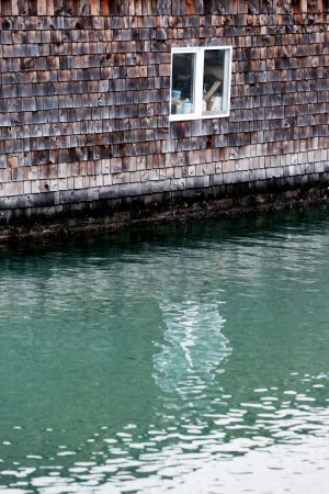 Life-of-Pix-free-stock-window-water-wall-LEEROY-1440x2160