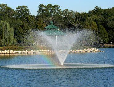 lake-ella-tallahassee-fountain-in-florida