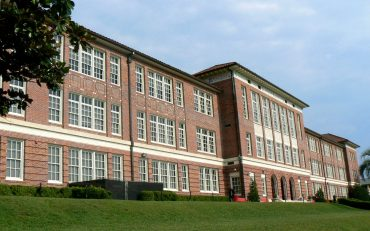 leon-high-school-building-in-tallahassee-florida