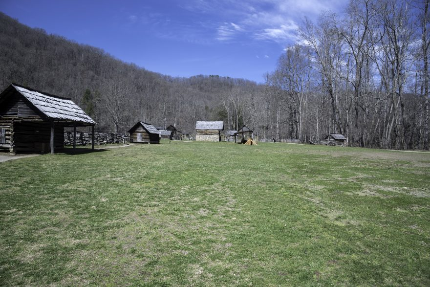 Log cabin on grass lawn at great smoky mountains national for Cabin in north carolina mountains