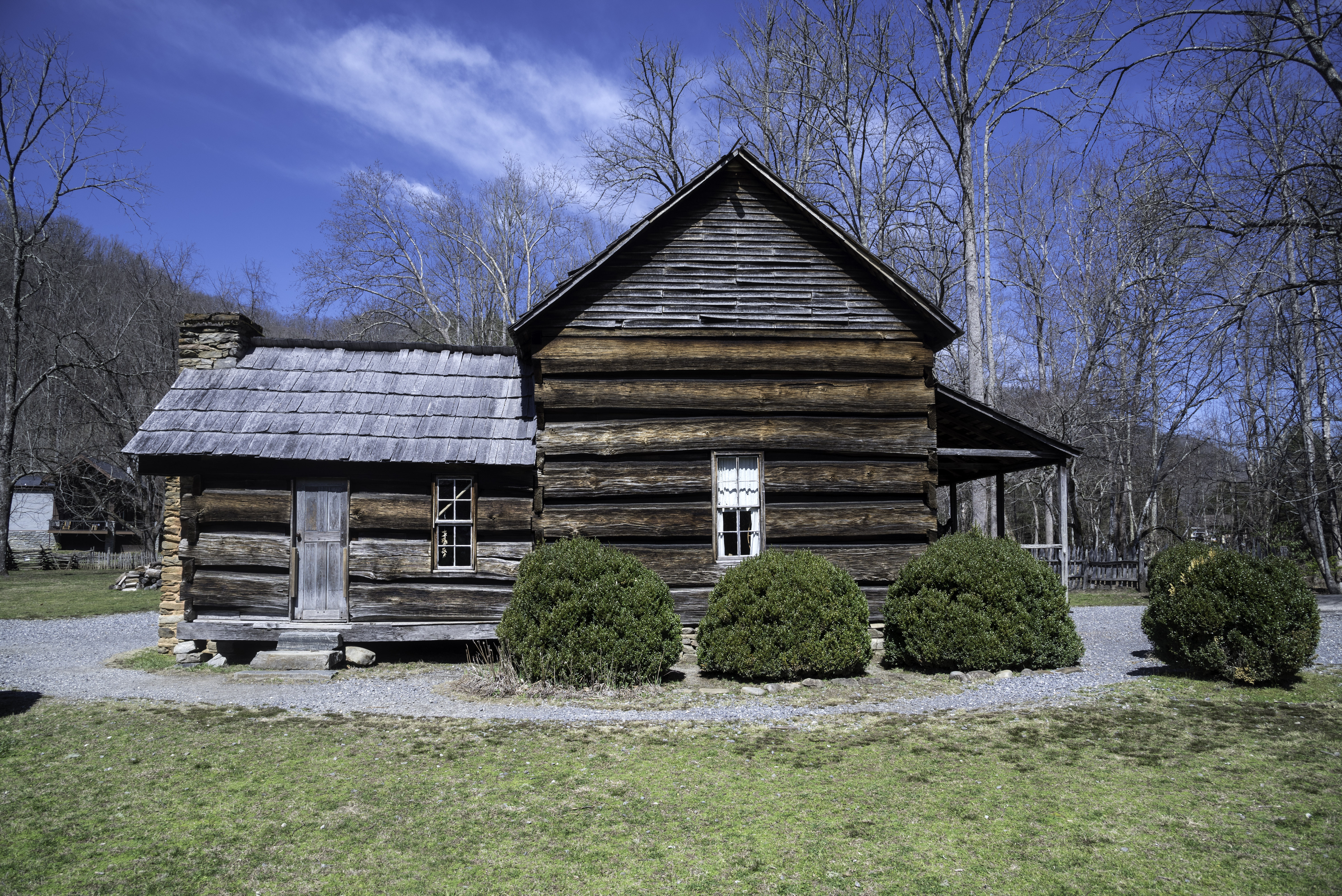 Log cabin in an old settlement in great smoky mountains for Cabin in north carolina mountains