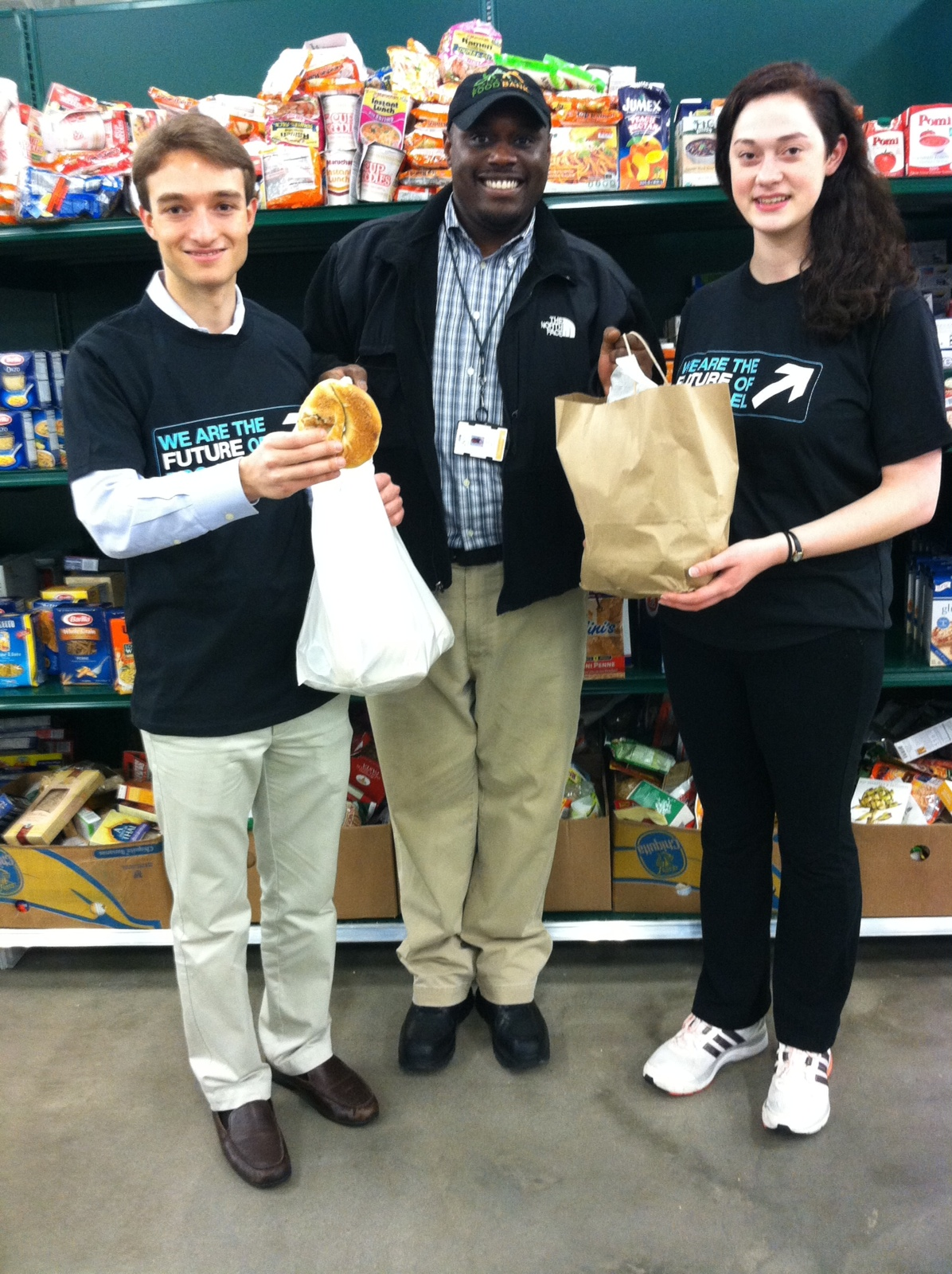 J Street Delivers Bagels to Capital Area Food Bank