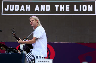 Judah Akers lead singer of Judah and the Lion performs