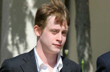 Macaulay Culkin, Serious, Short Hair