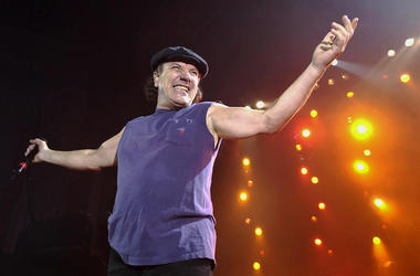 AC/DC, Brian Johnson, Concert, Posing, Smiling, 2003