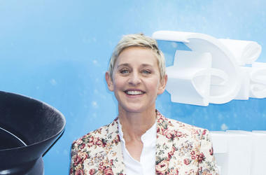 Ellen DeGeneres, Red Carpet, Smile, Floral Shirt